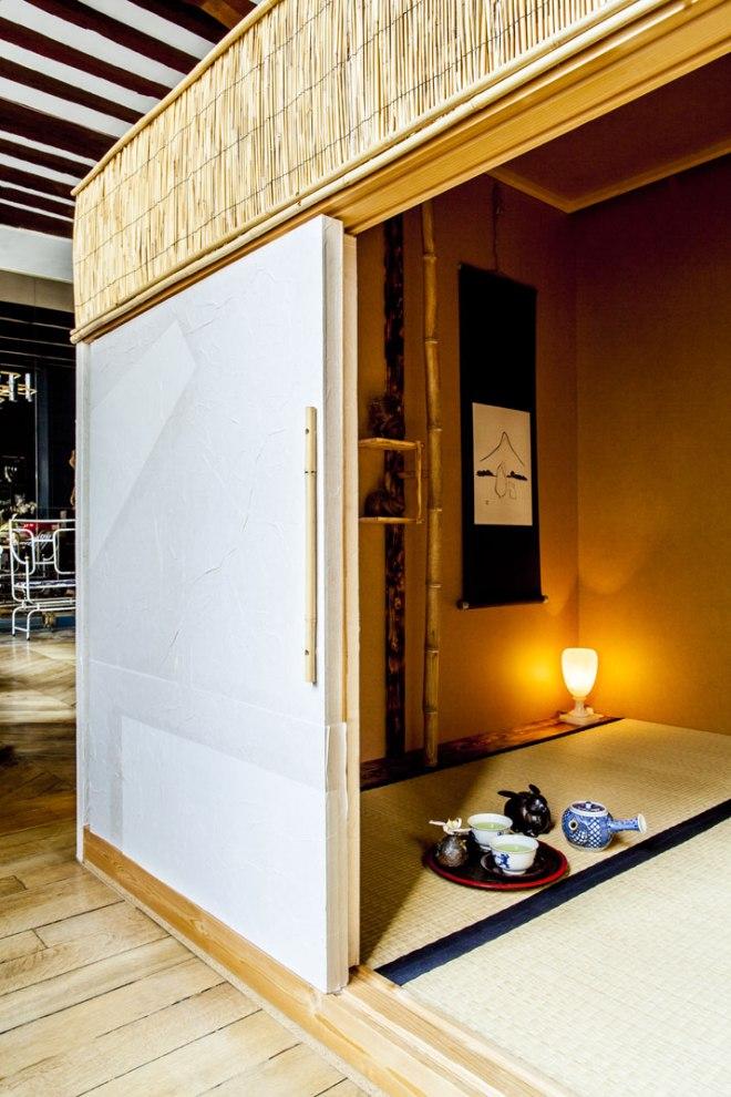Shinsuke-Kawahara-Whimsical-Paris-Apartment-photo-Matthieu-Salvaing-yatzer-12