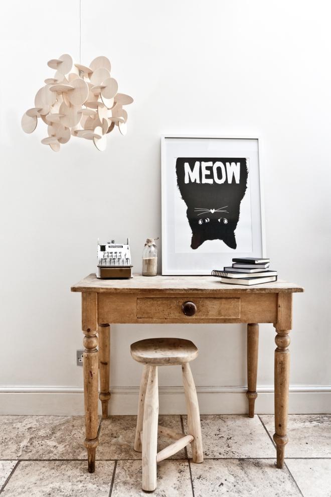 Ilustración del gato al revés muy popular en los países nórdicos.