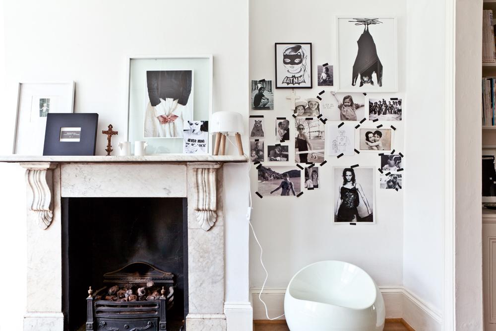 Mural de fotos pegadas con washi tape, total tendencia esta temporada.