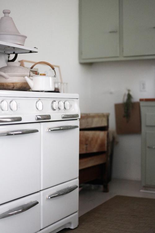 preciosos armarios verdes en la cocina / beautiful green cabinets in the kitchen