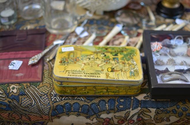caja de vasquitos y nesquitas antigua