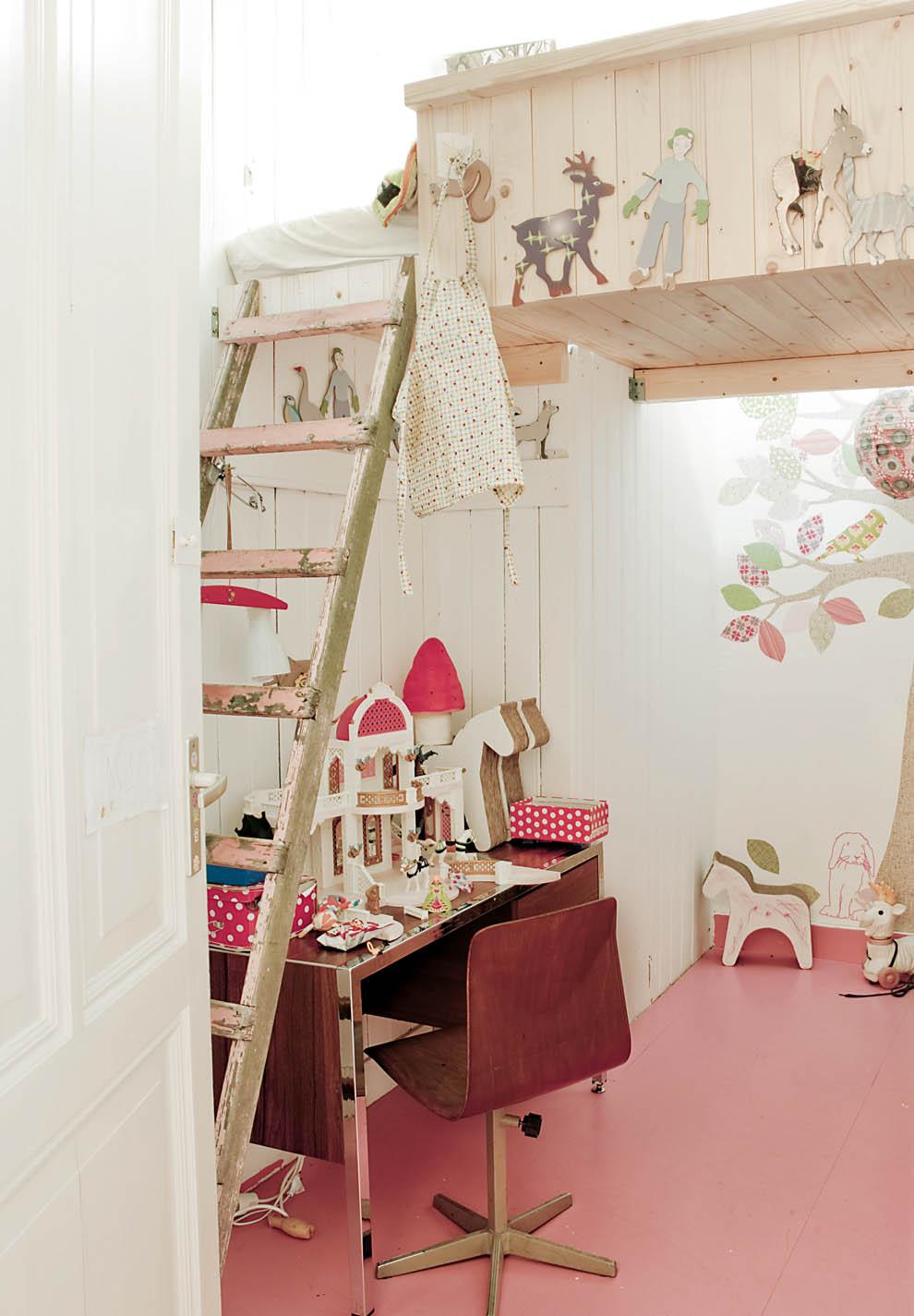 litera en la habitación de los niños / bunk beds in the kids´room