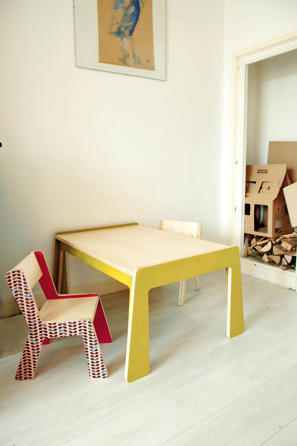mobiliario diseñado por la familia / family designed furniture