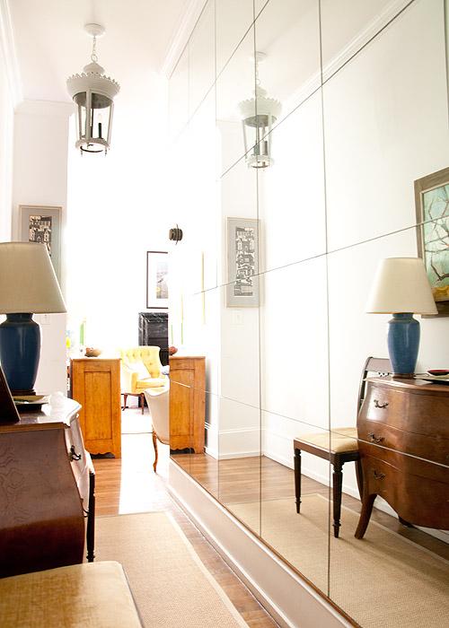 Pasillo con espejo de suelo a techo / mirror  wall