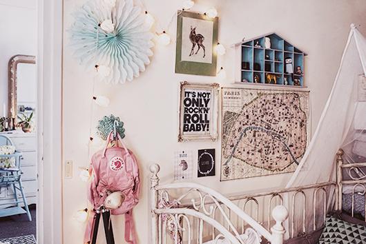 Rincón del precioso dormitorio infantil