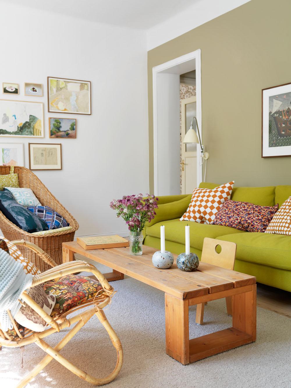 Mezcla de colores cítricos en el estar