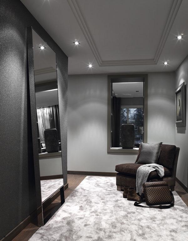En el vestidor se ha pintado de gris claro al ser un espacio sin iluminación natural.