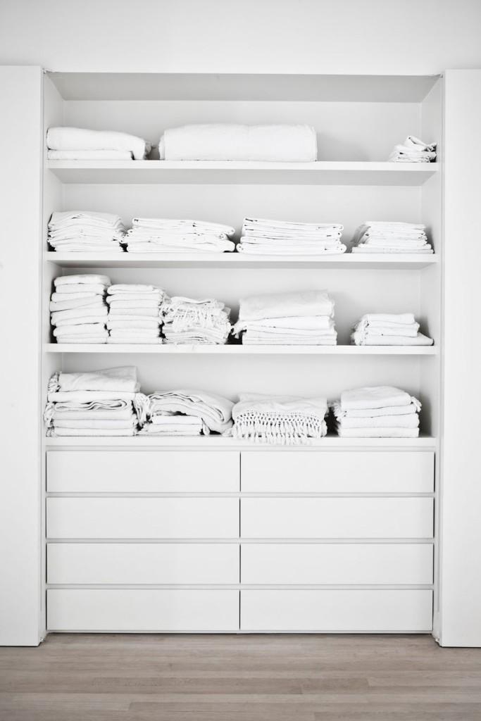 Armario de ropa blanca.