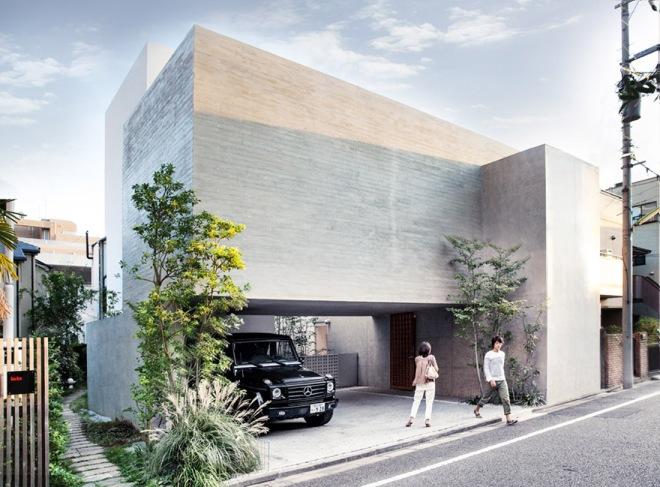 Vista del exterior de la vivienda diseñada a diferentes alturas.