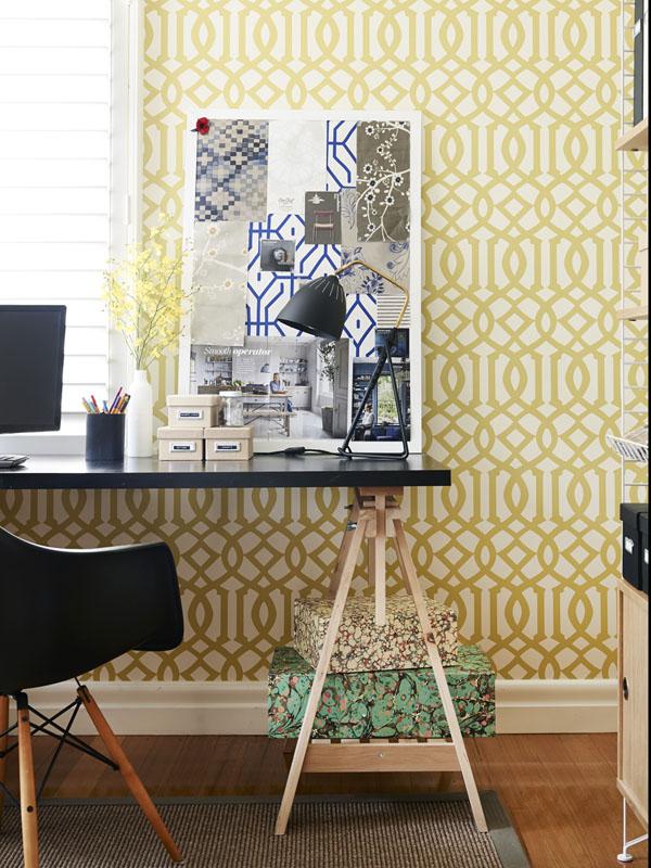 Este papel del estudio me encanta! La combinación con la butaca de los Eames es preciosa!