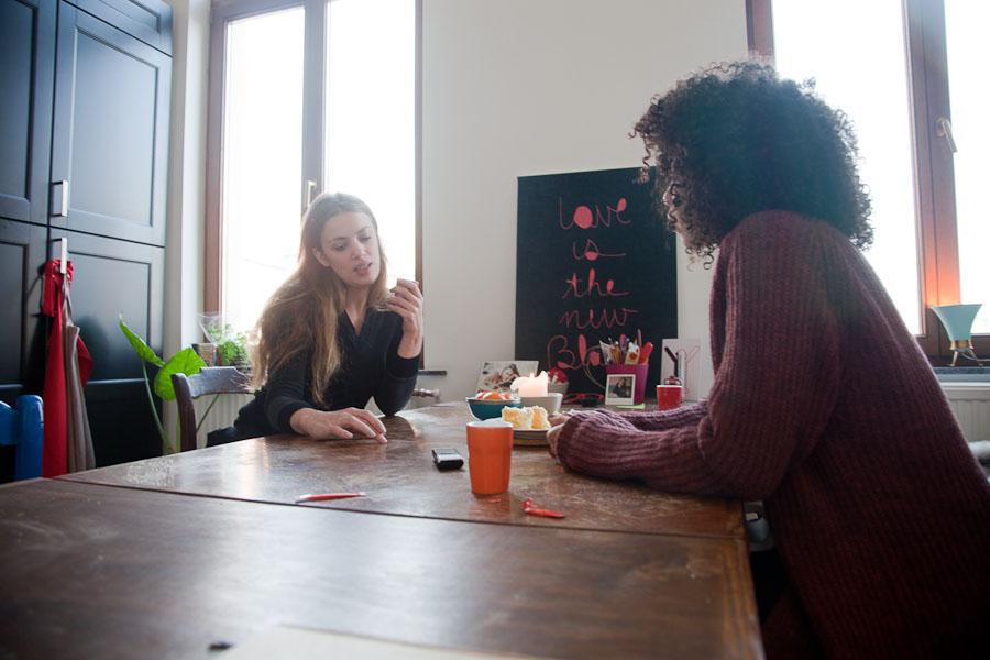 Mesa de comedor para compartir un café.