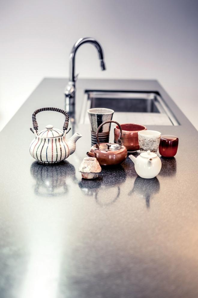 Para los japoneses es muy importante todo lo relacionado con el té. El propietario tiene una colección de teteras preciosa.