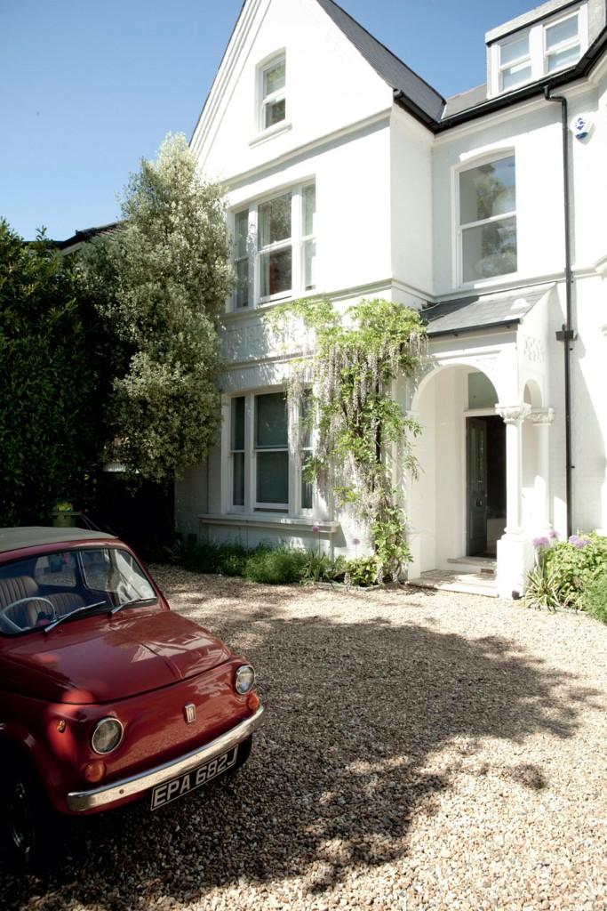 Entrada a la vivienda, una casa victoriana preciosa.