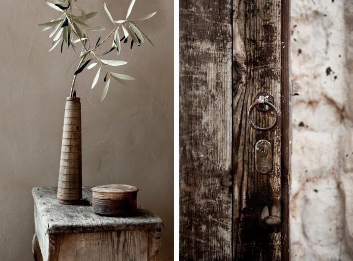Detalle de las texturas de las maderas. En esta casa se han utilizado maderas decapadas, recuperadas, todas con una pátina preciosa. Como decimos siempre. son los detalles lo que hace acogedor un interior.
