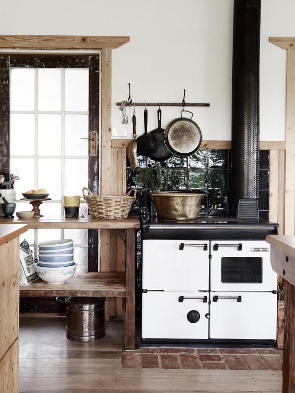Los elementos son antiguos, recuperadosy su estética define el carácter de esta vivienda.