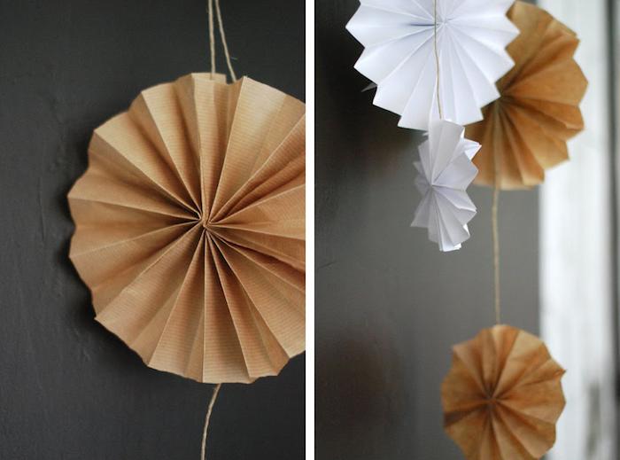 Adornos hechos de papel kraft en natural y en blanco.