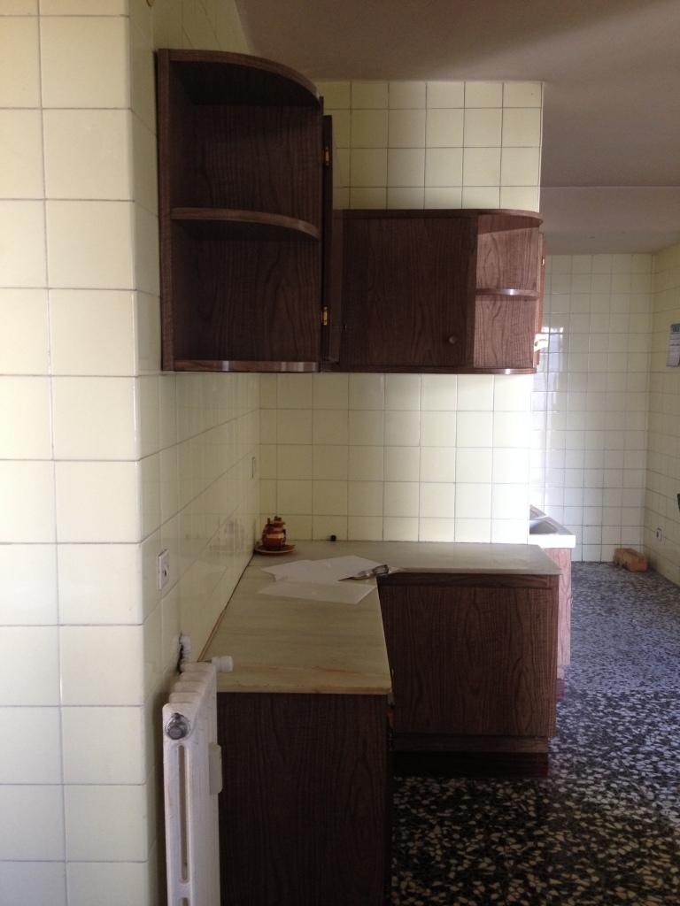 Los azulejos estaban por todas partes, incluso dentro de los armarios.